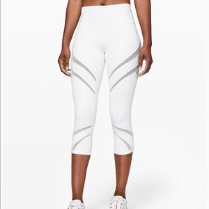 "Lululemon Wunder Under Crop 21"" Mesh Leggings"